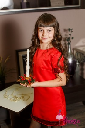Праздничное платье-трапеция для девочки красного цвета